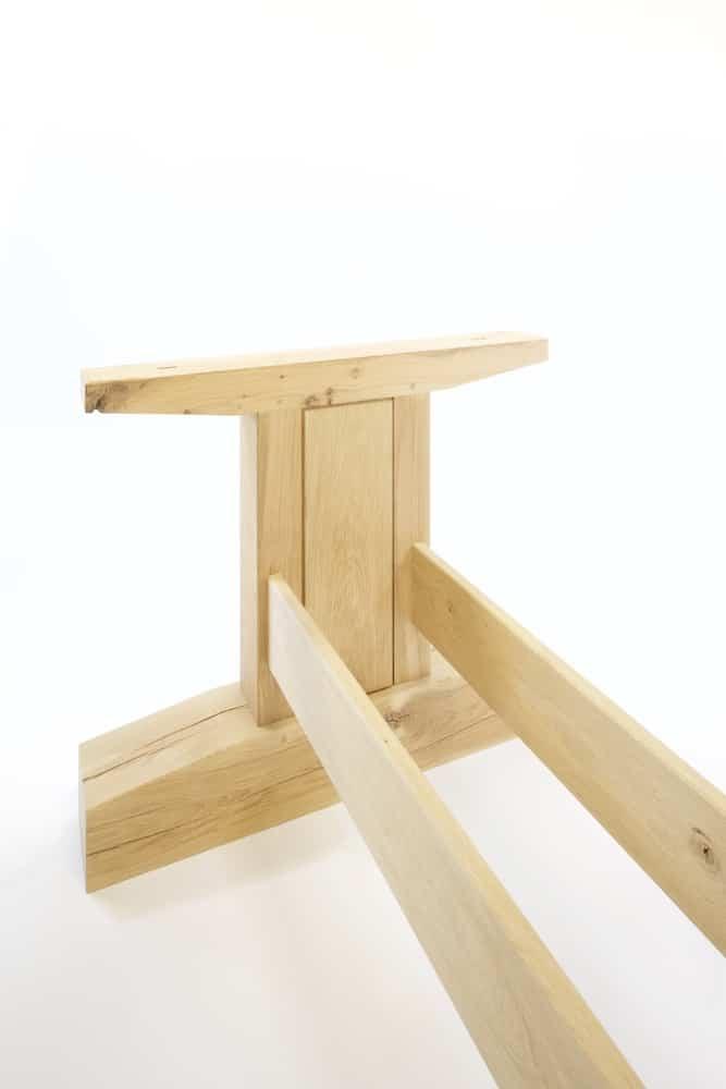 Robuuste eikenhouten tafel